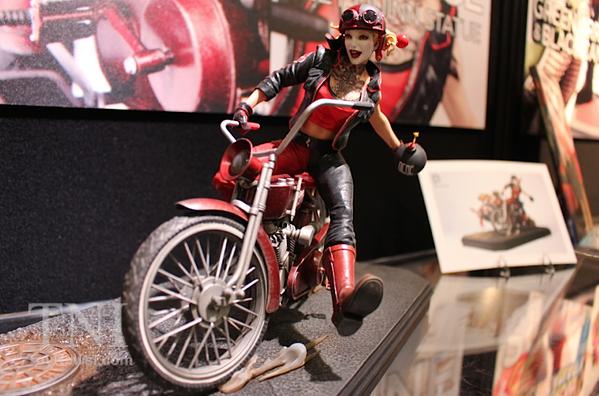 Harley Quinn Statue From Gotham City Garage