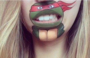 Makeup Artist Paints Cartoon Characters Onto Her Lips