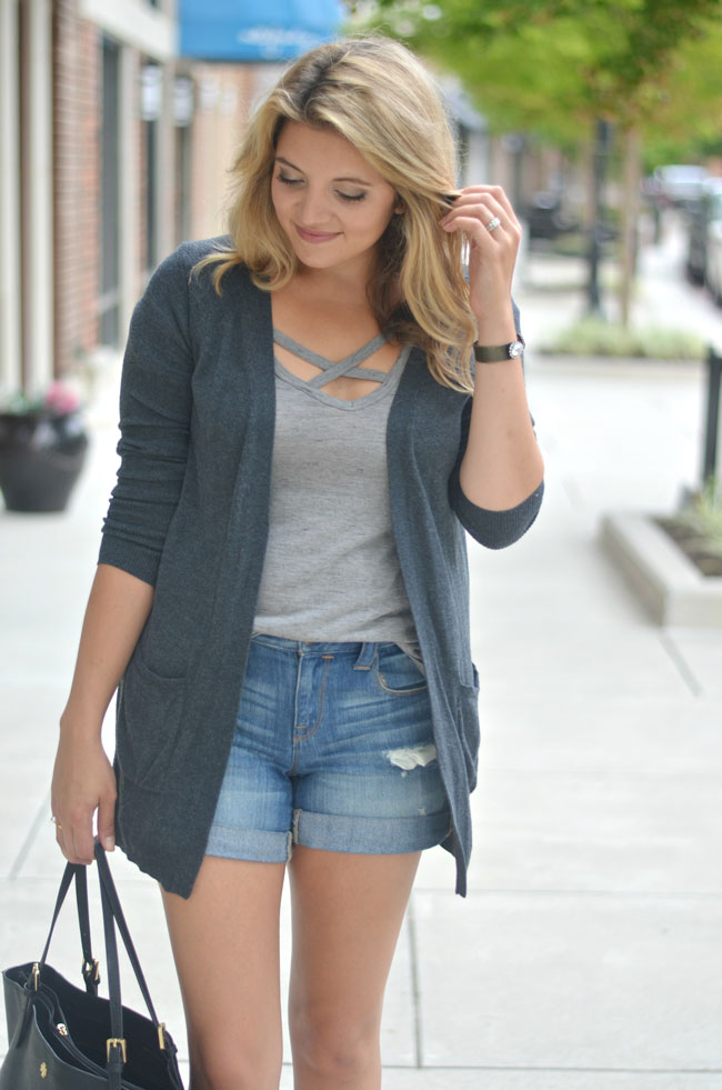 transition outfit for fall - long cardigan for fall with shorts | www.fizzandfrosting.com