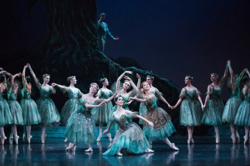 "The Australian Ballet in ""The Dream."" Photography by Daniel Boud 002a"