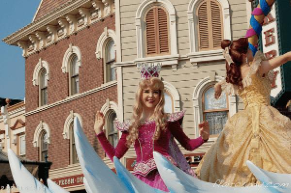 Hong Kong Disneyland Disney Princesses Flights of Fantasy Parade Princess Aurora Sleeping Beauty