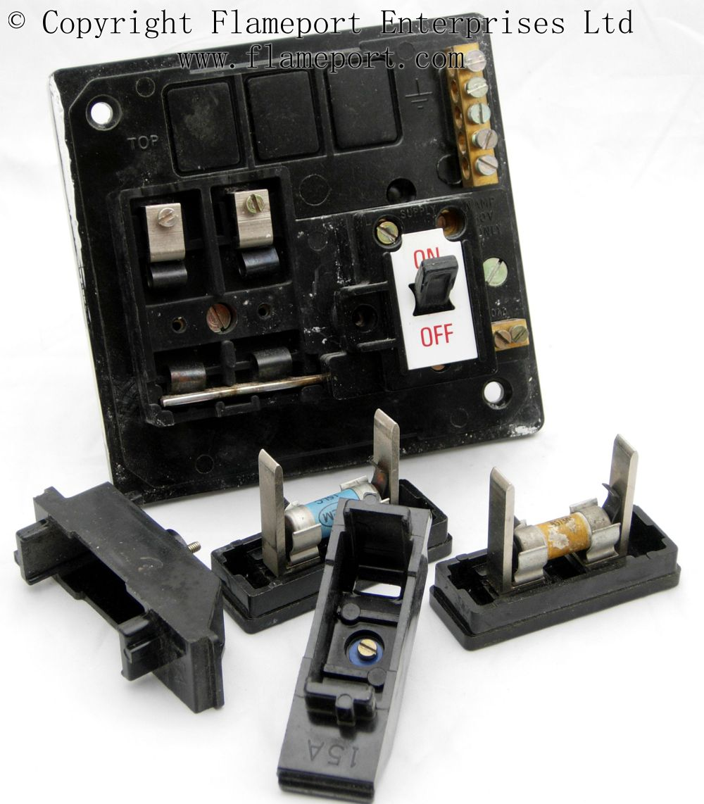 4 Way Fuse Box Memera 3 Two Way Plastic Fusebox