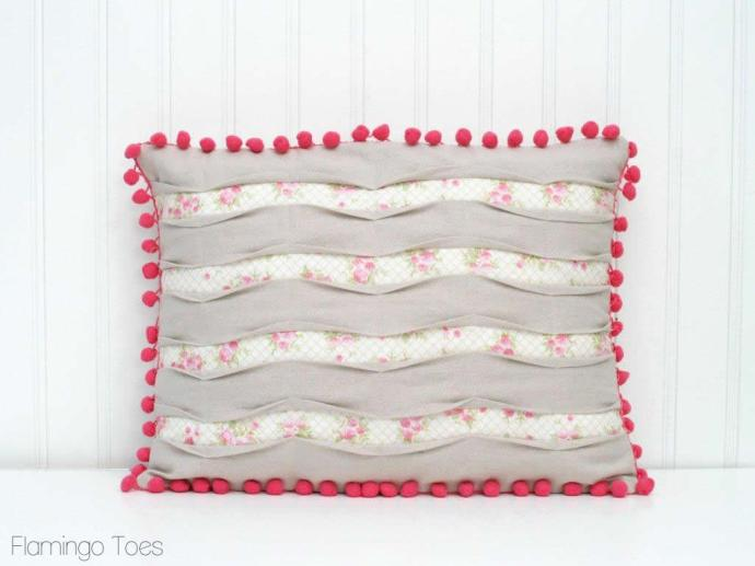 Pleated Pintuck Pillow Tutorial (2)