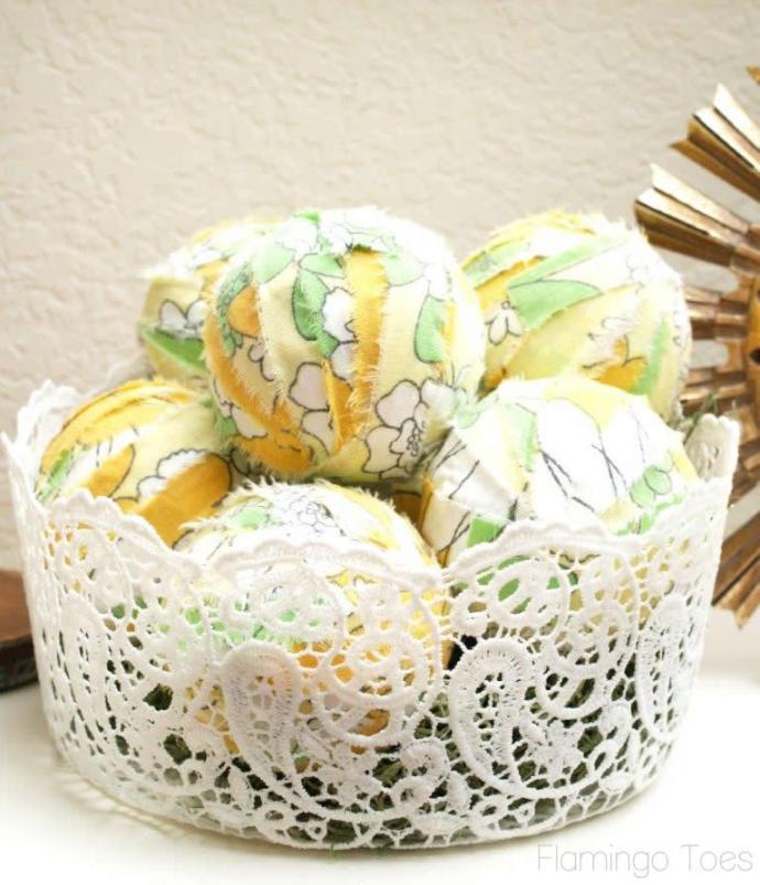 Easy Fabric Decor Balls