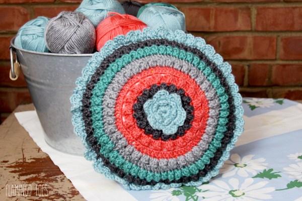 Round Retro Crochet Pillow Pattern