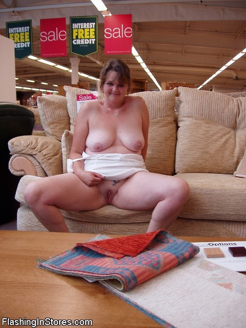 nude wife flashing in public