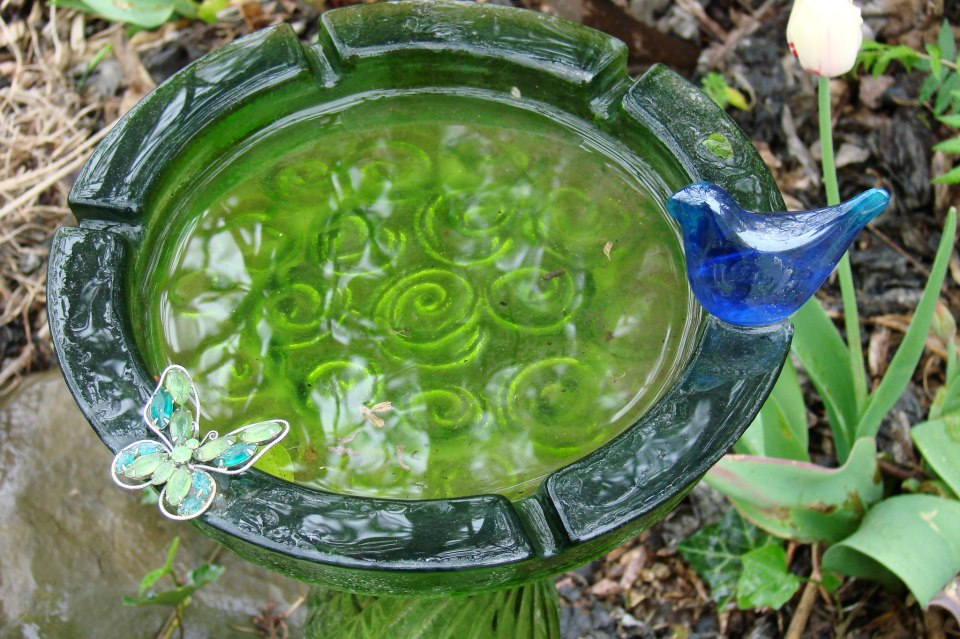 Flea Market Glass Garden Totem: Step by Step