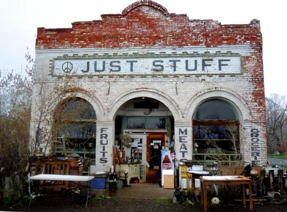 Wouldn't you love to visit this shop shared by Beth Nogle?