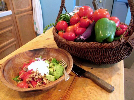 Tomato salad with a little lettuce