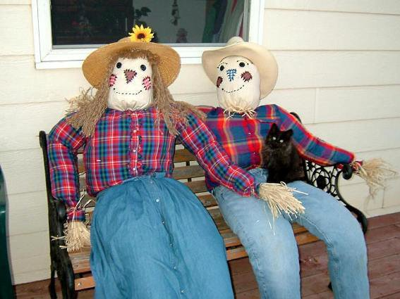 """Cathy Bloomgren says """"My Scarecouple...complete with black cat."""""""