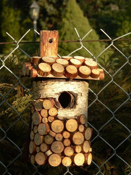 Wood slice birdhouse