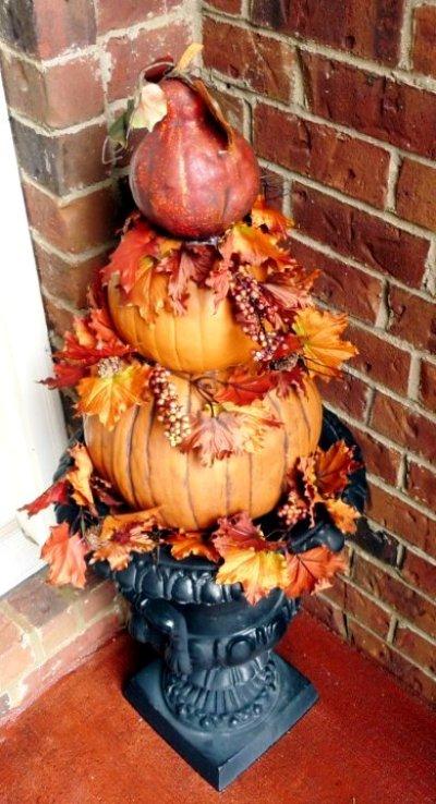 Linda Bare's faux pumpkin topiary