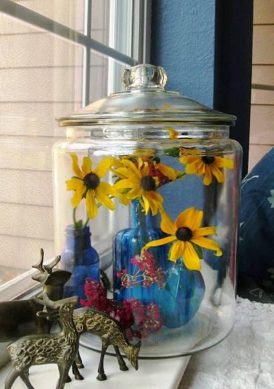 Sue Langley's cookie jar cloche