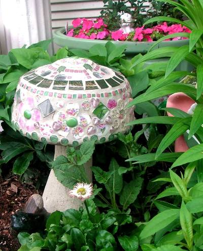Becky's beautiful mosaic shroom