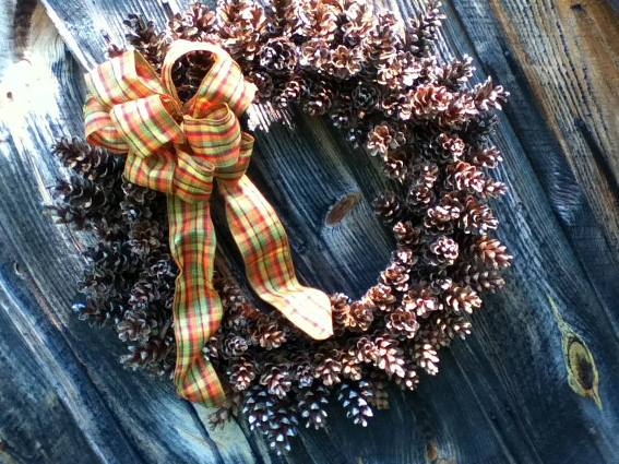 Cherrie's pine cone wreath in 35 minutes