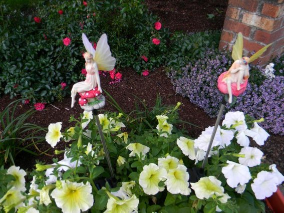 LoriAnne Ross's best fairy plant stakes