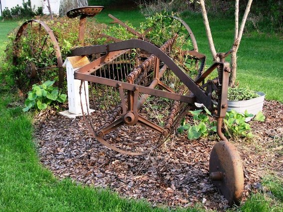 Jeanne Sammons created Grandpa's Rake Garden