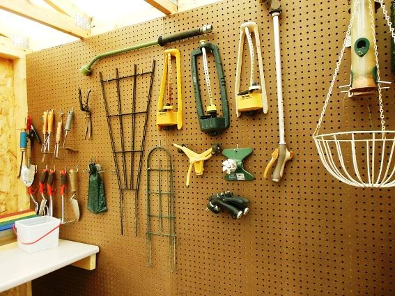 Pegboard organizes tools