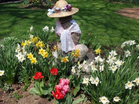 Cherrie's Spring Garden lady