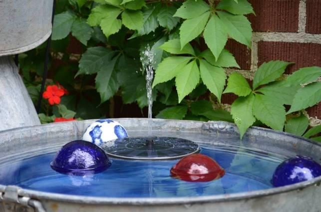 Marie Niemannu0027s Bubbly Blue Tub Fountain