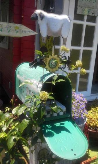Another of Billie Hayman's garden mailboxes