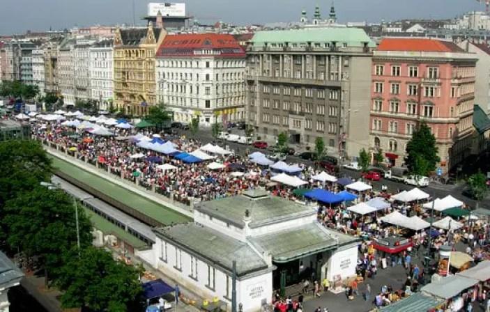 Flea market in vienna the flohmarkt am naschmarkt for Mobel flohmarkt wien
