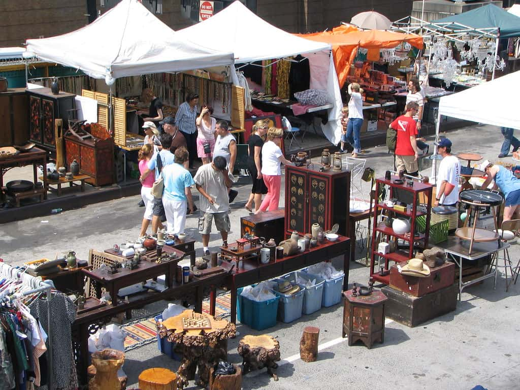 Hells Kitchen Flea Market - (c) by IseFire