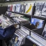 MUSIC: Al doilea an de scădere pentru download-ul de muzică