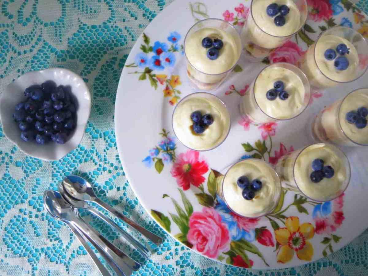 Lemon Velvet - An Awesome 3 Ingredient Lemon Mousse