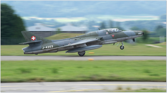 fly fighter jet hawker hunter switzerland