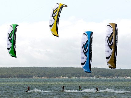 Flysurfer Speed 3 Coloured Edition in action