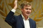 To beat plastic pollution, better return systems needed:  UN environment chief Erik Solheim