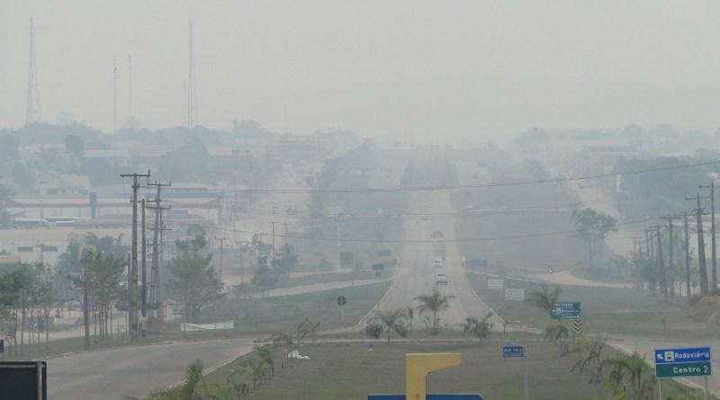 Cidade de Novo Progresso coberta pela fumaça