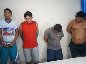 Rayfran (segundo da esquerda) e os demais suspeitos foram apresentados hoje em Belém (Foto: Divulgação/ Polícia Civil/ Daniel Castro)sino de Dorothy Stang é preso por morte de Leandro e Jose