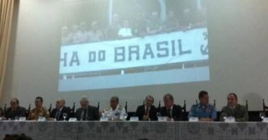 Coletiva reuniu representantes de diversos órgãos de segurança e ainda a Marinha do Brasil. (Foto: Dominik Giusti/G1)