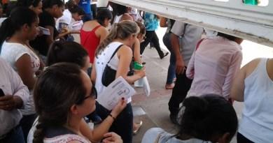 Portões para acesso aos locais de prova do Enem em Cuiabá são abertos (Foto: Kelly Martins/G1)