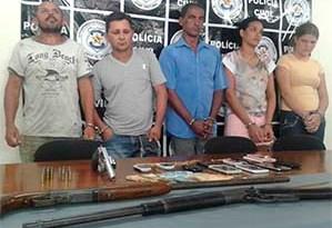Cinco-pessoas-foram-presas-na-operação