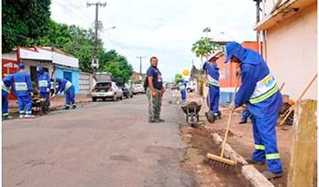 Serviços-estão-sendo-realizados-em-diversas-ruas