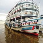 """Até mesmo o casco da embarcação é de madeira, revestido com fibra de vidro / Foto: N/M """"Venino Pantoja"""""""