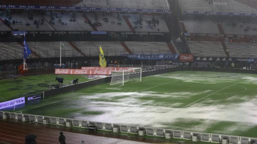Jogo entre Argentina e Brasil é cancelado após forte chuva Nilton Fukuda/Estadão