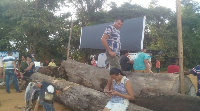 Bloquio em Moraes AlmeidaFoto WhatsApp