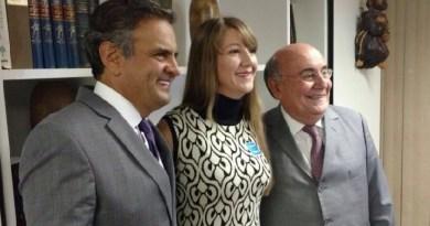 Madalena ao meio, na direita Senador Flecha ribeiro,e a esquerda Senador Aécio Neves (PSDB)
