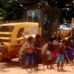 Índios fazem acordo com governo e liberam maquinário de obras