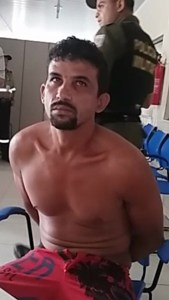 Francisco Serejo ainda tentou explicar seu ato na Delegacia(caetano Silva/Portal Pebinha de Açucar)