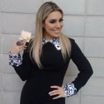 Naiara Azevedo diz que fez sucesso a partir de um 'chifre'.