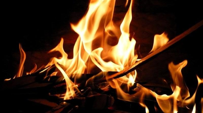 professora-mata-professora-e-queima-corpo-em-fogueira