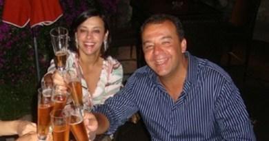 Crédito: Blog do Garotinho/Divulgação. O governador Sérgio Cabral acompanhado de sua mulher, Adriana Ancelmo, de Fernando Cavendish e da mulher dele, Jordana Kfouri, morta em um acidente de helicóptero na Bahia em junho de 2011.