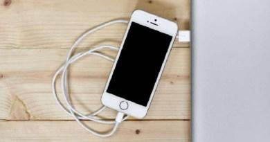Como carregar corretamente a bateria do celular: mitos e lendas