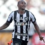 Com dez, Botafogo vira sobre o Sport e sai em vantagem na Copa do Brasil