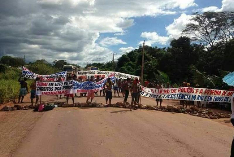 indígenas mantém bloqueio da rodovia BR-230
